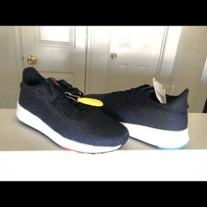 ADIDAS Running Shoe BRAND NEW (Size 8)